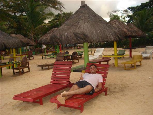 Descansando na Praia de Mundaí