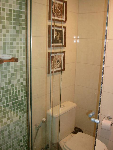 como fazer móvel de MDF  Dias a Dois -> Como Improvisar Um Armario De Banheiro